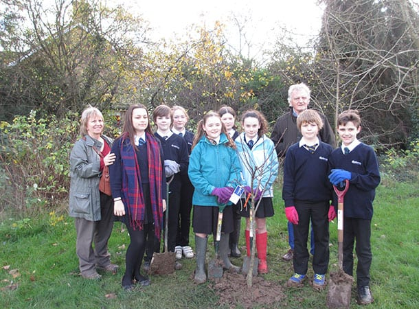 Applemore College Year 7 students and Ecoteam representatives